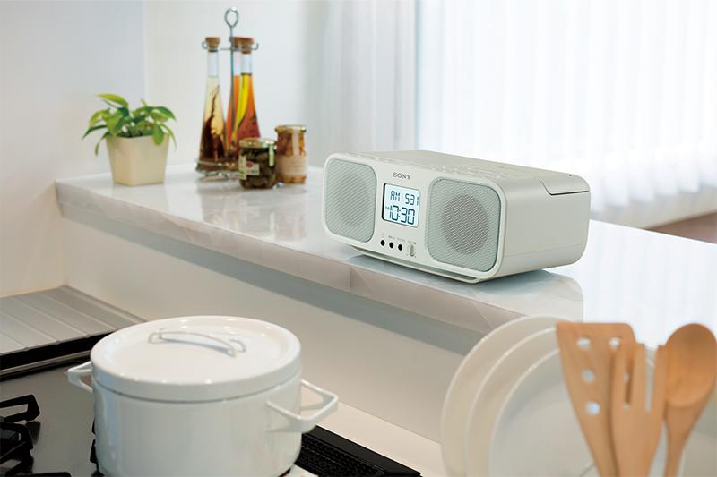 大画面液晶と使いやすいボタン配置で簡単操作 ソニー CDラジオカセットレコーダー ホワイト CFD-S401 WC