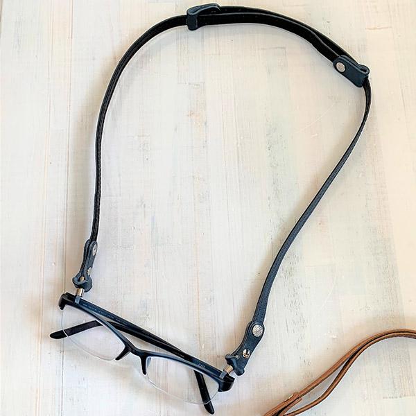 城屋 栃木レザーの伸縮する眼鏡ストラップ T-0205