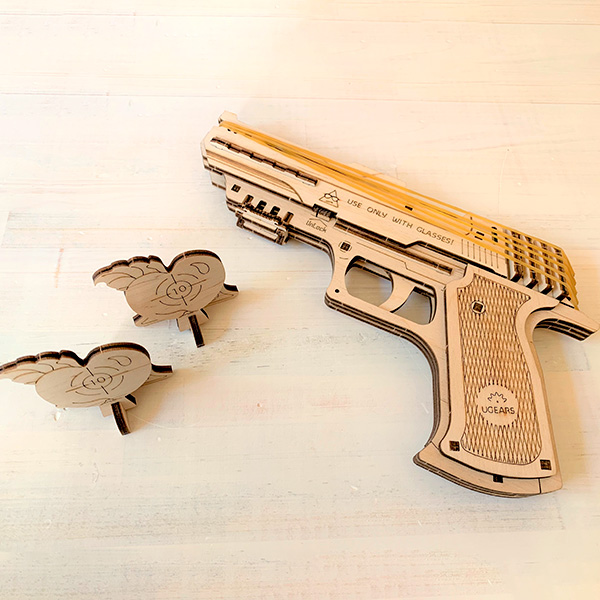 組み立て遊べる木製キット 撃てるハンドガン